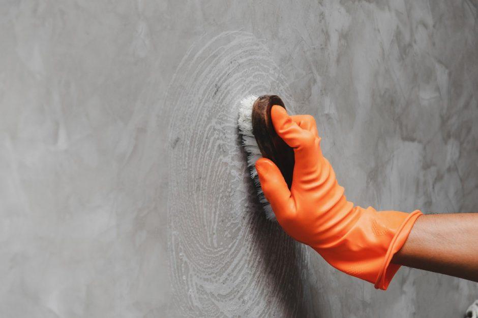 como tirar mancha da parede